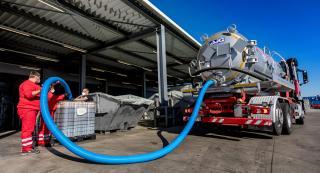 Minden típusú folyékony veszélyes és nem veszélyes hulladék kezelésére megoldást kínálunk.